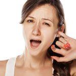 Ушной клещ у человека: причины появления, симптомы и лечение (с фото)